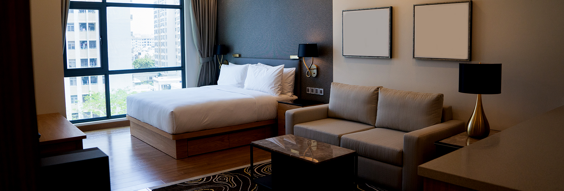 luxury rooms & suits